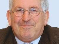 Dr. Manfred Fiel