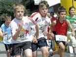 Ein Höhepunkt des Dorffestes in Vandans ist alljährlich das Kinder-Rennen.                Foto: Gerhard Scopoli