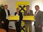 Günter Fäßler und Stefan Wachter von der Raiba Montafon mit Vertreter des Krankenpflegevereins
