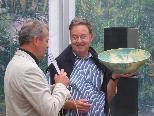 Versteigerung der klingenden Keramikschalen