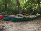 Bild: Patienten der Therapiestation Carina absolvierten eine Flusswanderung mit Kanus.