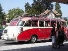 Der Nostalgiebus der eine Jubiläumstour durch das Dreiländereck macht und auch in Dornbirn anhält