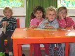 Spielkisten-Kinder sind Freunde
