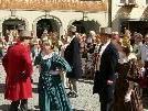 Bild: Die Trachtengruppe der Stadt Feldkirch biete Tanzfreunden einen Volkstanzkurs an.