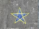 """Der Stern an der Wand wurde die letzten Tage auf Vordermann gebracht und richtig """"gepimpt"""""""