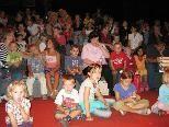 Die Kinder eiferten heftig mit und halfen dem Kasperle sein Abenteuer zu bestehen