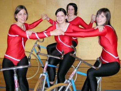 Die erfolgreichen Kunstrad 4er-Damen.
