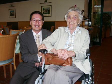 Hausleiter Philipp Graninger ist nicht nur bei Frau Mathis mehr als beliebt.