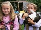 Jana und Jasmin freuen sich auf die Schule