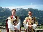 Pfarrer Dr. Christian Schulz (l.) mit Diakon Rudolf Sagmeister bei der Verabschiedung am Bartholomäberg. (Foto: Gemeinde Bartholomäberg)