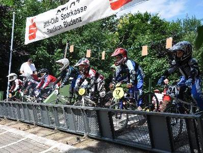 Riders ready - Watch the gate – Go