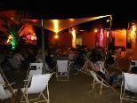 Romantisch-kitschige Urlaubsstimmung herrscht an der BeachBarBregenz auch nachts