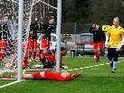 Stürmer Julian Erhart jubelt über sein Tor zum 2:0-Sieg.