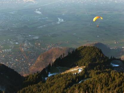 Archivbild: Paragleiterflug von der Hohen Kugel.
