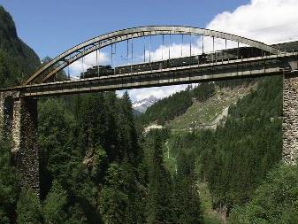 """Beeindruckende Bilder präsentiert die DVD """"125 Jahre Arlbergbahn"""" von Hanno Thurnher"""