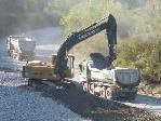 Bild: Große Bagger schafften in den vergangenen Tagen die Voraussetzung für einen ganzjährigen Wasserlauf der Frutz.