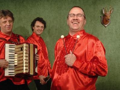 """Das Mundart-Trio wagte sich mit """"Herz Schmerz Hotel"""" in den Thalsaal."""