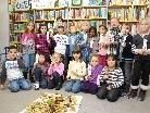 Die Erstklässler lernten die Stadtbücherei kennen.