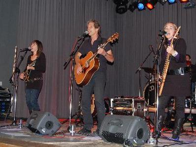 """Die Formation """"Welcome"""" gastierte auf der Schrunser Kulturbühne mit ihrem """"Best – of""""- Konzert."""