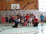 Die Schüler der 1 c hatten viel Spaß beim Breakdance-Workshop im Rahmen des Turnunterrichts