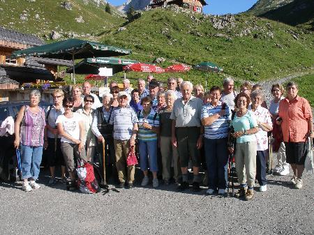 Die gesamte Gruppe in der Alpe Laguz