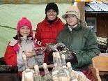 Nicola Böhler mit ihren Töchtern Clara und Lina.