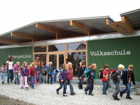 Raummangel im Kindergarten und der VS Lustenau-Rheindorf behoben.