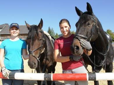 Steffi und Mary mit Alistro und Ramiro