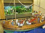 """Die """"ARGO"""", ein griechisches Schwammtaucherschiff ist neben anderen Exponaten zu bewundern."""