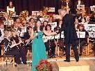 Dirgigent Johann Mösenbichler mit Solistin Kerstin Möseneder.