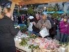 Großer Andrang herrschte beim Adventmärktli auf dem Kirchplatz