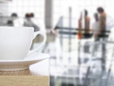 Kaffebetrieb und Mittagstisch bietet das aks an.