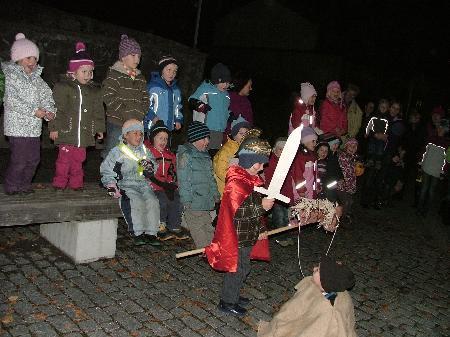 Kindergarten Thüringerberg feierte Martinsfest