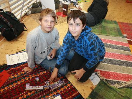 Manuel und Luca beschäftigten sich mit der Wirtschaft des Landes.