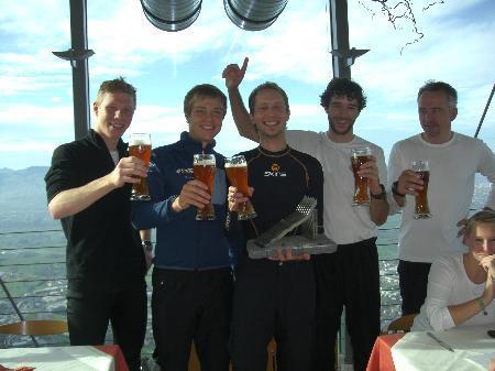 Nach dem Staufenlauf genehmigten sich die Teilnehmer einen Drink.