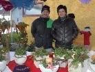 Schöne Geschenke und Dekos können beim Mäderer Weihnachtsmarkt erworben werden.