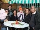 Wolfram Neyer mit Gattin sowie Sohn Jürgen mit Gattin und Kindern ...