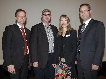 annes Bodenlenz, Martin Winkel, Moderatorin Angelika Rimmele und VEV-Präsident Markus Hagen.