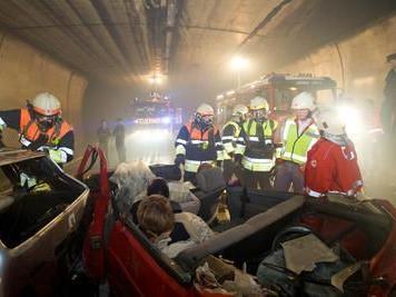 einsatzuebung der blaulichtorganisationen; Rotes kreuz; Feuerwehr Lochau und Rieden