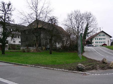 Beim Standort des alten Bauernhauses in der Elektra-Kurve in Bregenz sollte eine Wohnanlage entstehen