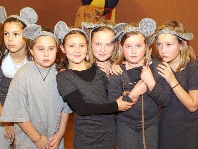 Ein Weihnachtsmärchen spielt die Theatergruppe Ludesch.