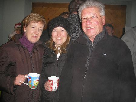 Familie Burtscher verwöhnte ihre Gäste beim Adventfenster.