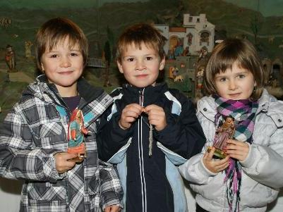 Noah, Valentin und Matea freuen sich auf`s Christkind