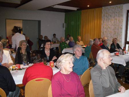 Schon zur Tradition geworden ist die Adventfeier vom Seniorenbund.