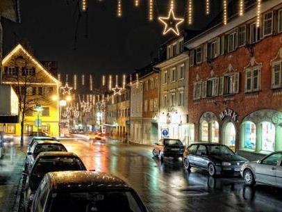 Weihnachtliche Marktstraße in Hohenems: 2010 wird intensiv über die Zukunft nachgedacht.