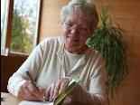 Autorin Elisabeth Amann hatte eine herbe Kindheit. Sie lebte auch viele Jahre mit ihrer Familie in Fellengatter