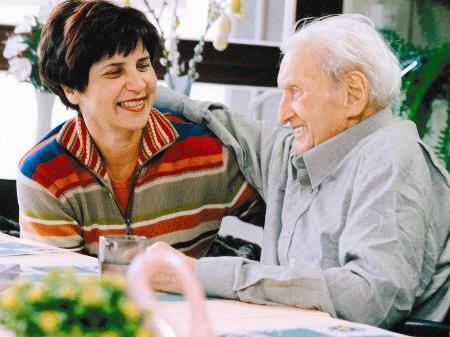 Caritas bietet eine Ausbilundg zur Hospizbegleitung an.