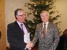 Obmann Michael Bösch erhielt von Bundesobmann Elmar Rederer das goldenen Verdienstabzeichen