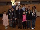 Preisträger mit Musikschuldirektor, Bürgermeister und VB-Marketingleiter