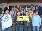 Schüler und Lehrer der Mittelschule Innermontafon spendeten für Pater Georg Sporschill.